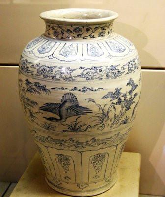 Chiếc bình vẽ thiên nga tuyệt tác khai quật từ tàu Cù Lao Chàm